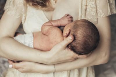 újszülött fogyás és súlygyarapodás